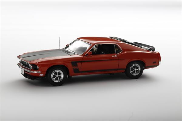 Welly_1969_Ford_Mustang_118_1.jpg