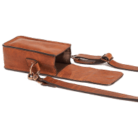 ONA_Lisbon_Camera_Case__Everyday_Crossbody_Antique_Cognac_offen_a.png