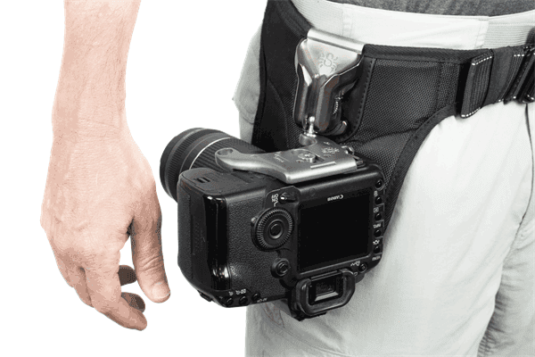 SKU301_SpiderPro_Plate_Pin_V2_an_holster_a.png