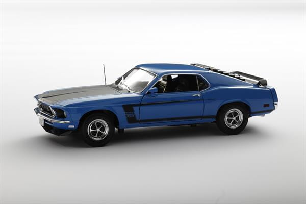 Welly_1969_Ford_Mustang_blau_118_1.jpg