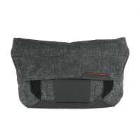 Peak Design Field Pouch Charcoal Zubehörtasche zum Everyday Messenger Bag