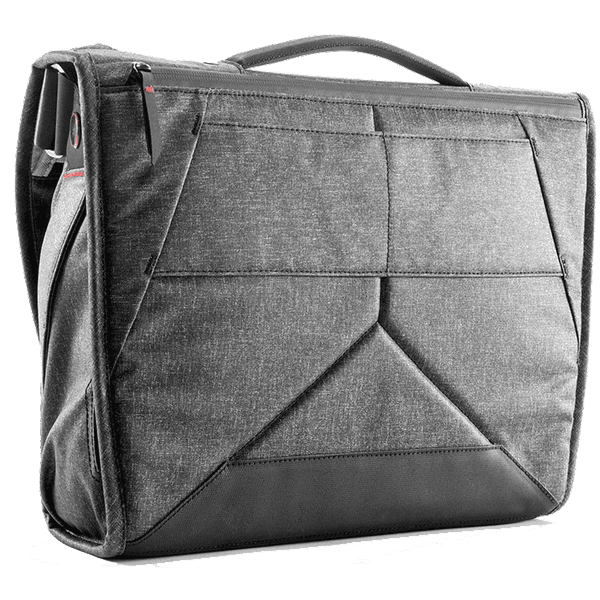 Peak_Design_Everyday_Messenger_Charcoal_13_Zoll_back_a.png